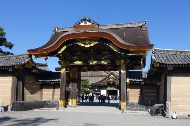 gate to nijo castle