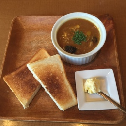 curry, homemade bread