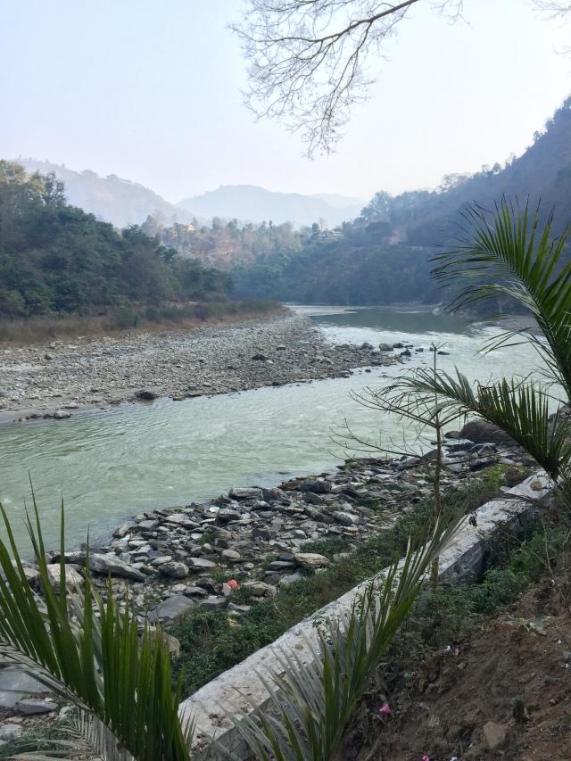 on road b/t kathmandu and chitwan