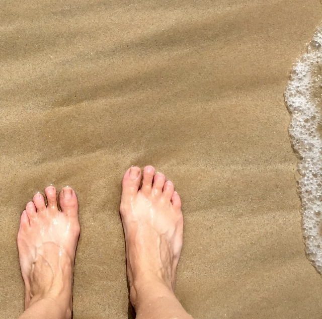 traveler's feet tan