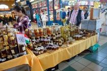 hungarian acacia honey? sweetest bestest honey