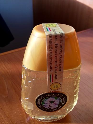 hungarianacacia honey