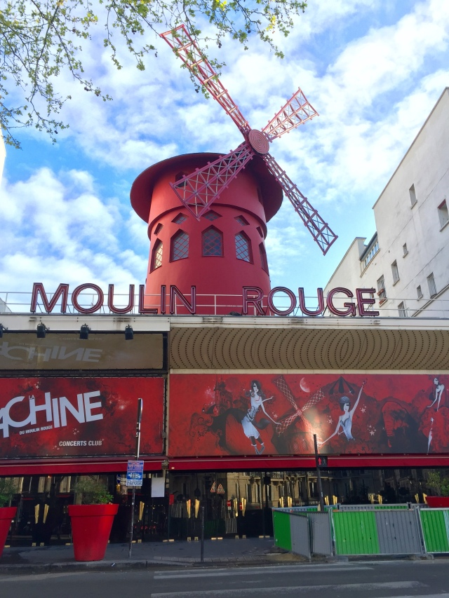 moulin rouge in the daytime