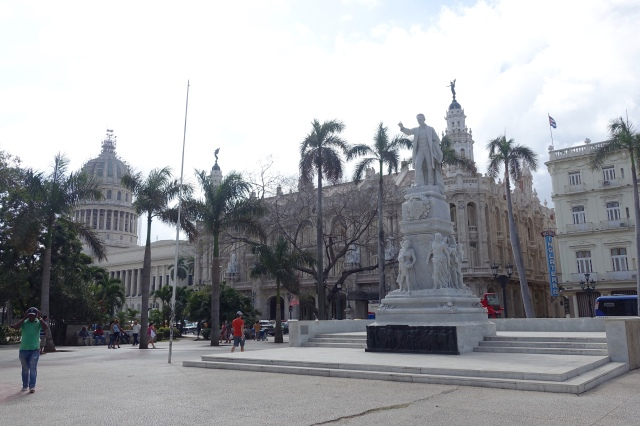 José Martí statue.. we got kicked off of here by Cuban authorities😬